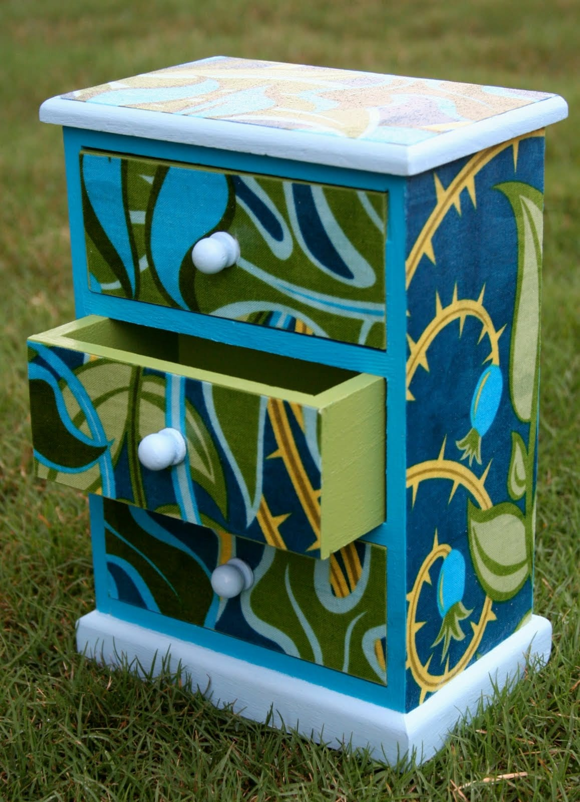 Guest Blogger: Mod Podge Gift Chest