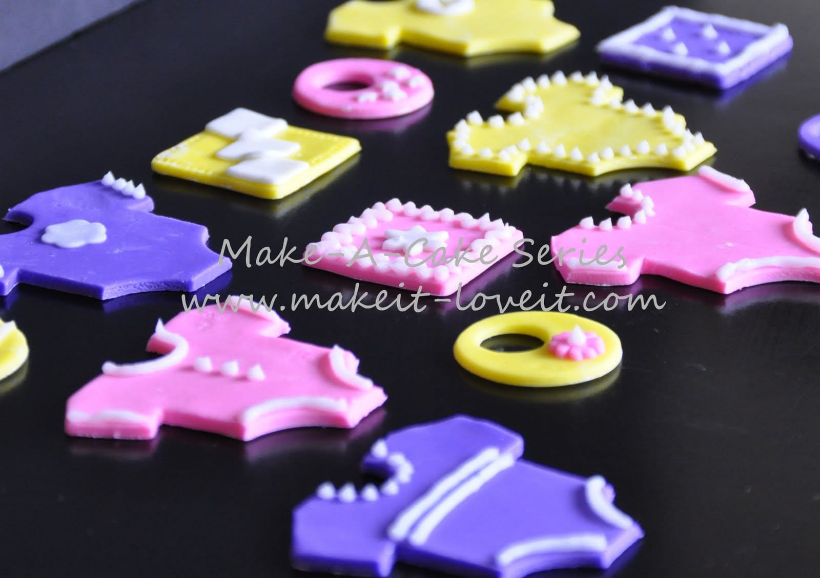 Make-a-Cake Series: Baby Clothes–Part 1