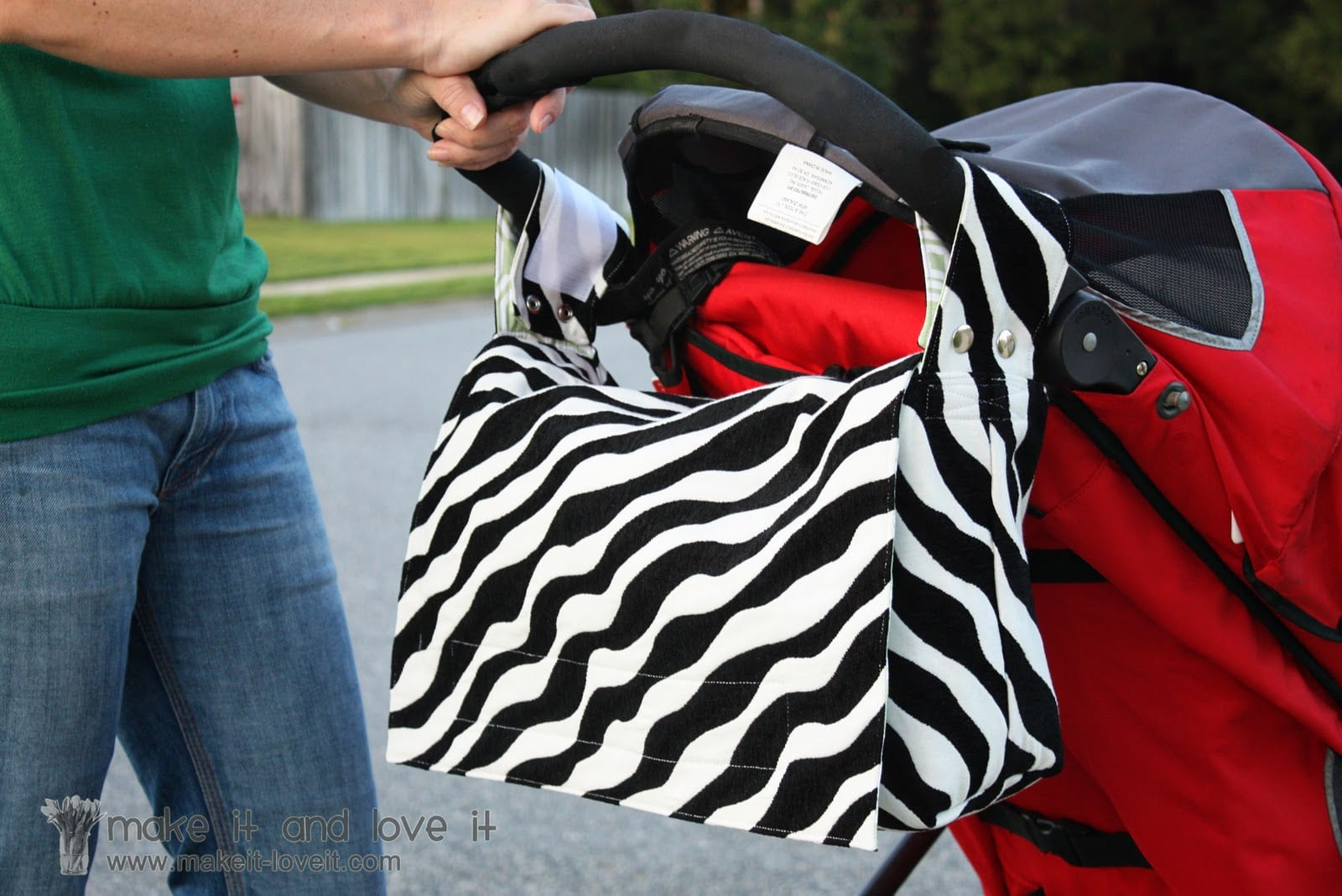 2-in-1 Bag: Stroller Bag into a Messenger Bag