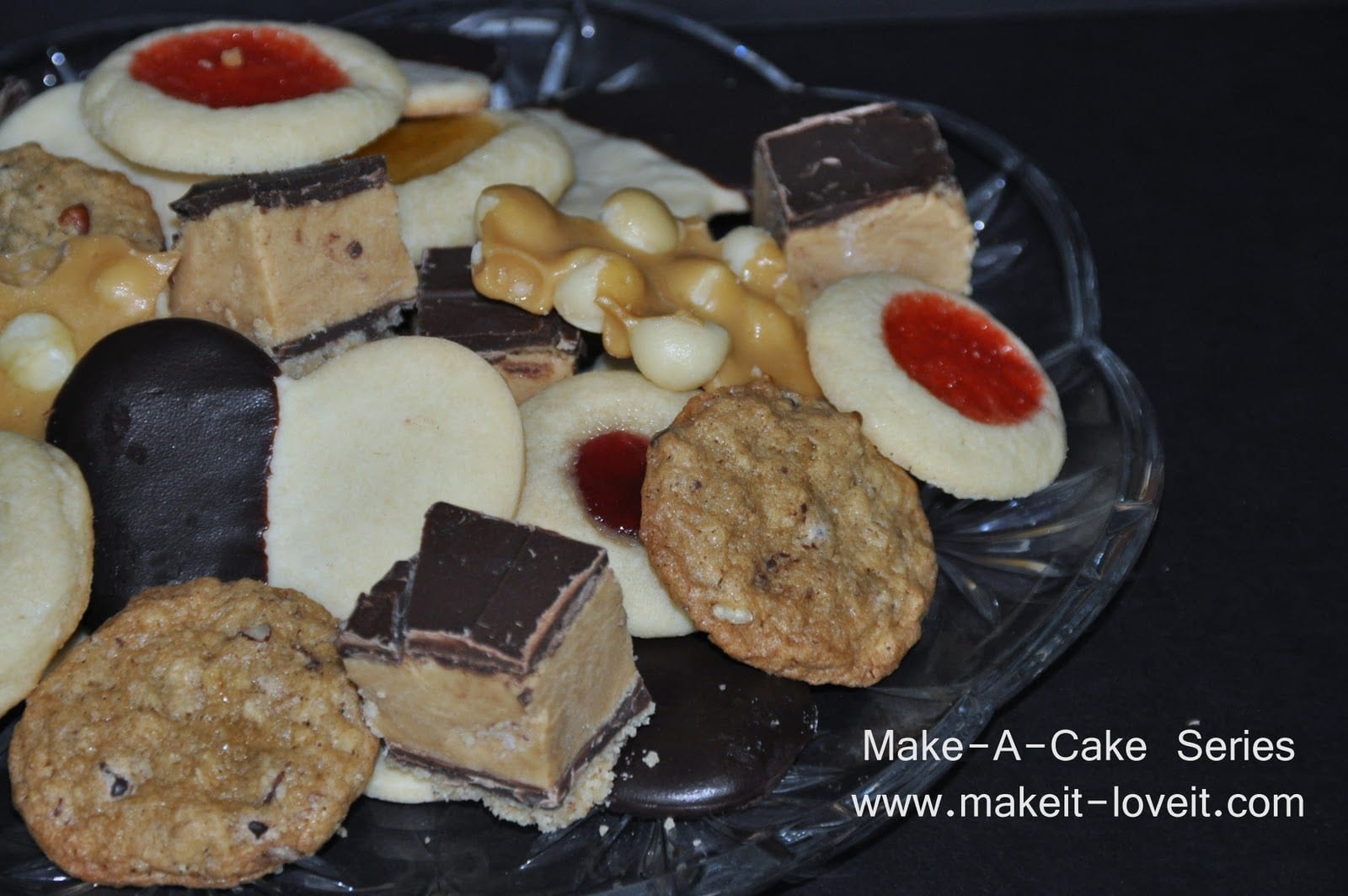 Make-a-Cake Series: Christmas Cookie Tradition……and a FAREWELL!
