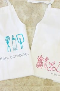 Aprons with heat transfer vinyl doodles {plus a Silhouette DISCOUNT CODE}