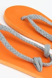 Flip-Flop Refashion: Part 1 (Braided Straps)