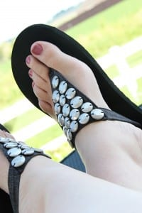 Flip-Flop Refashion: Part 2 (Fabric Straps with Beads)