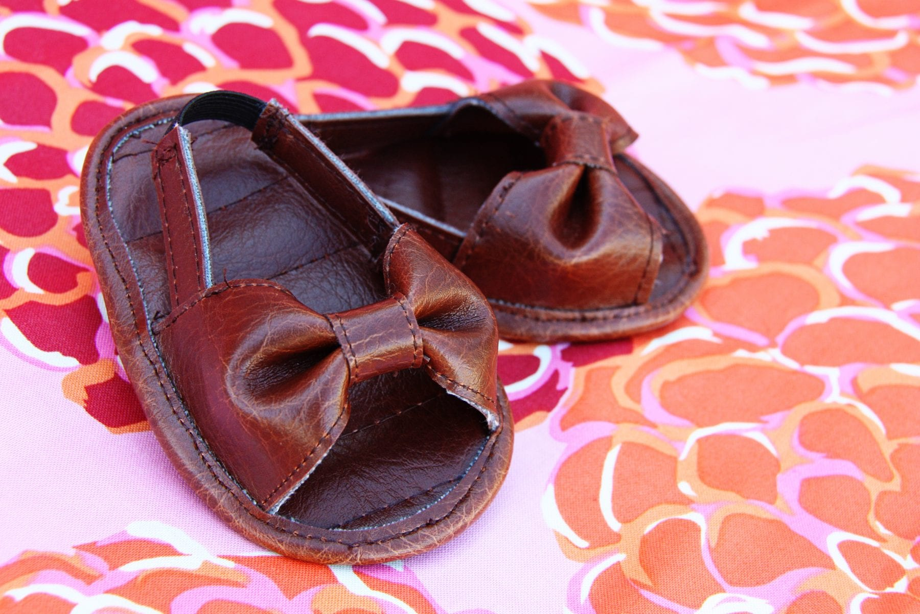 bow strap baby sandal