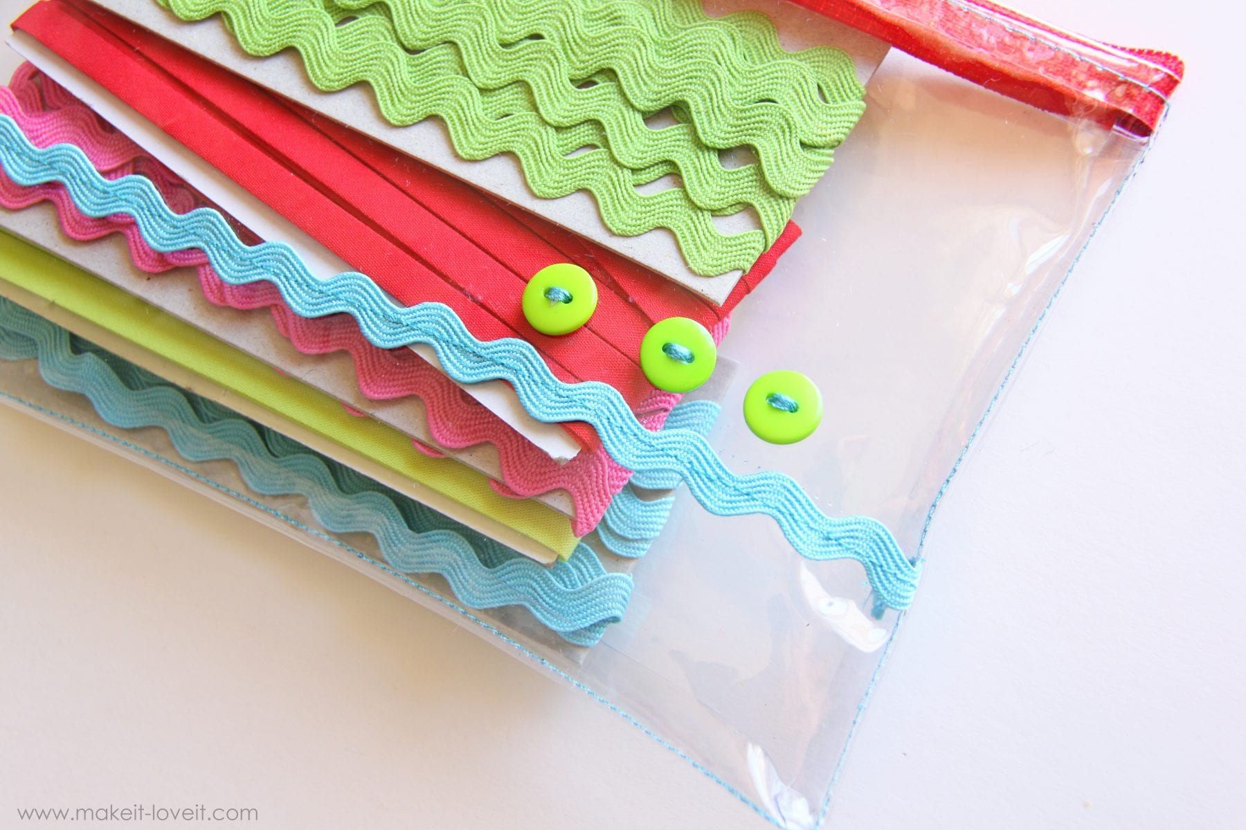 Tip for Sewing with Vinyl (it sticks!!)…..Making Clear Vinyl Pouches