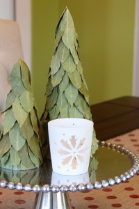 Simple Christmas Decor: Burlap Table Runner & Bay Leaf Trees