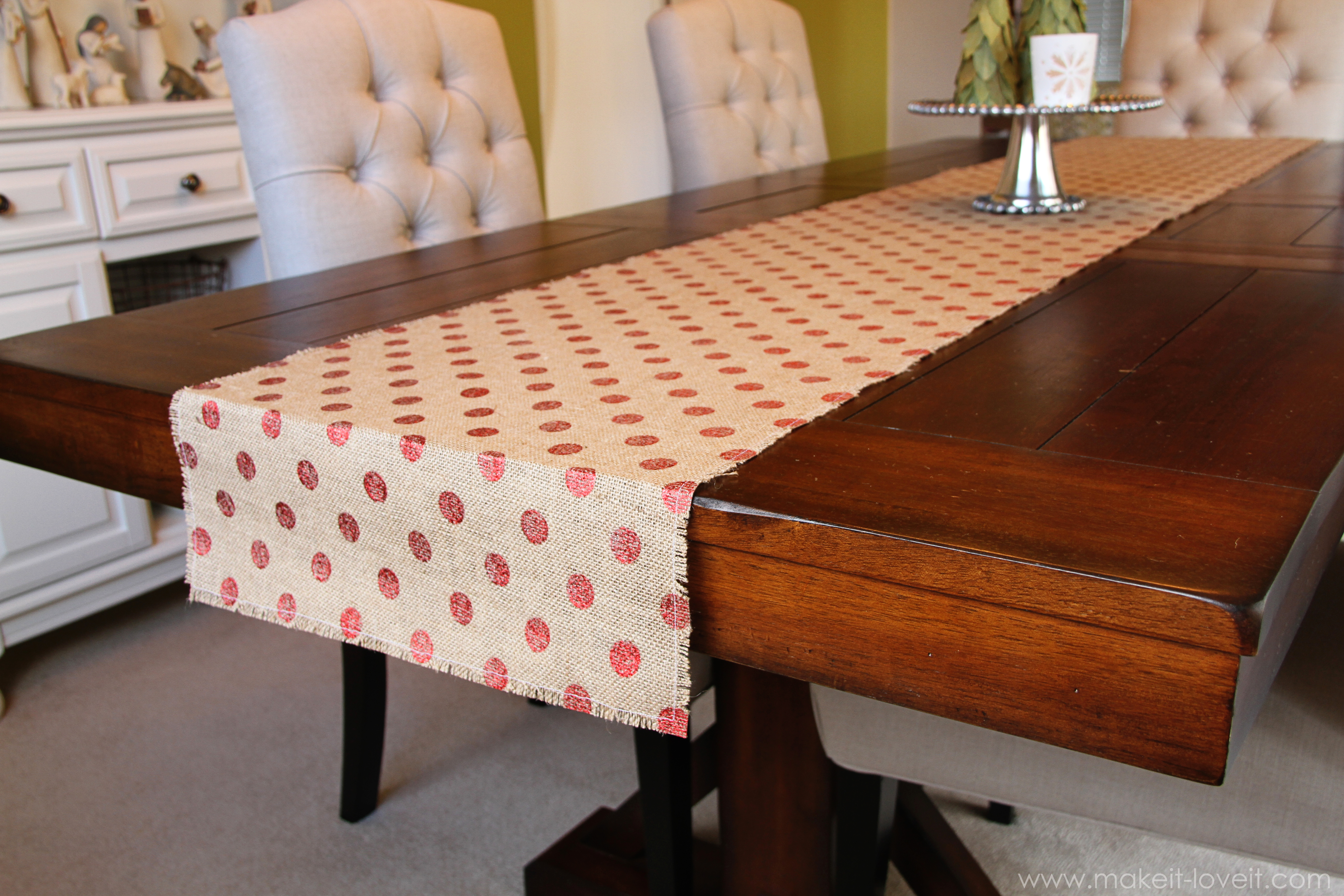 Simple Christmas Decor Burlap Table Runner Amp Bay Leaf