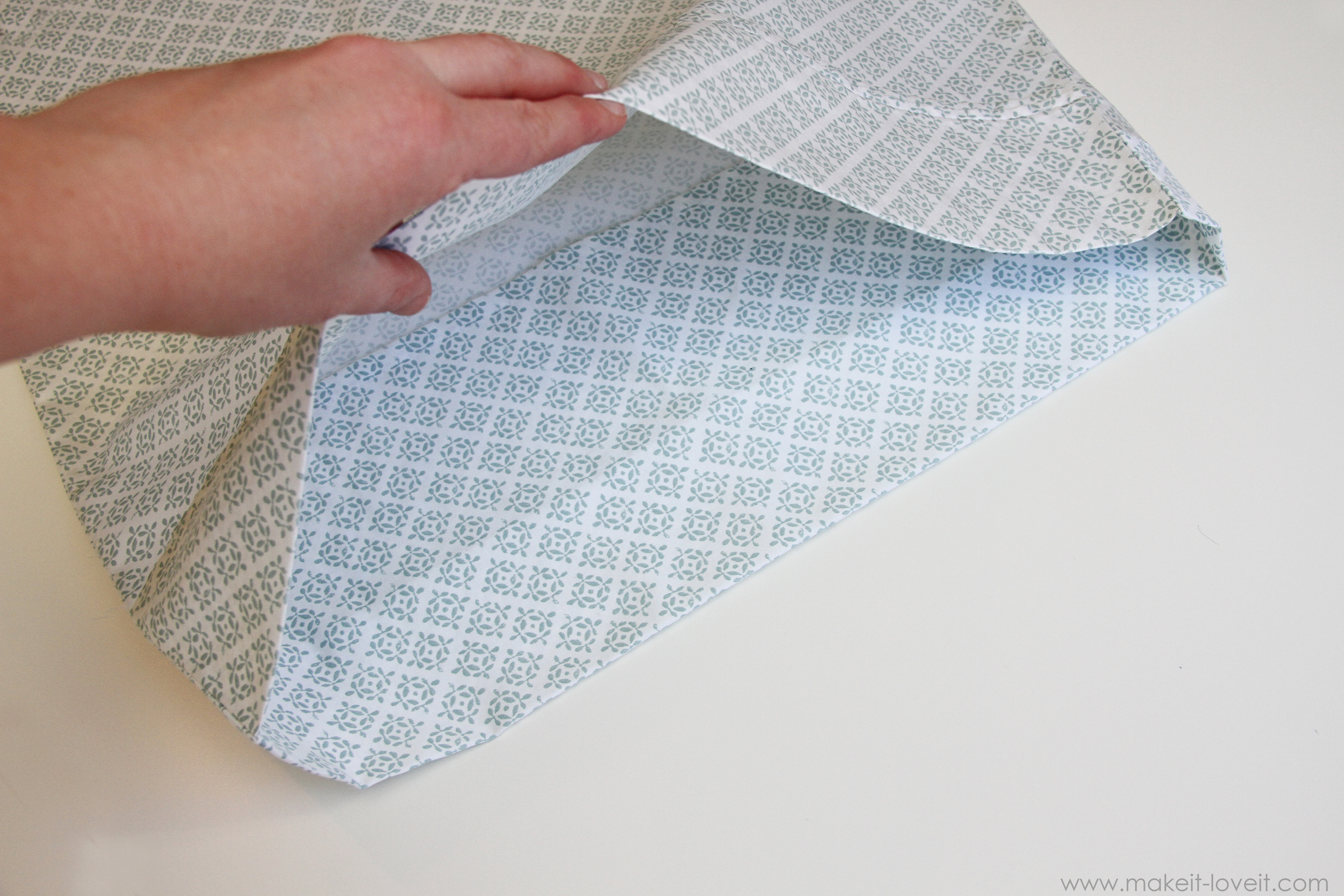 Envelope Closure Pillowcase for bed pillows