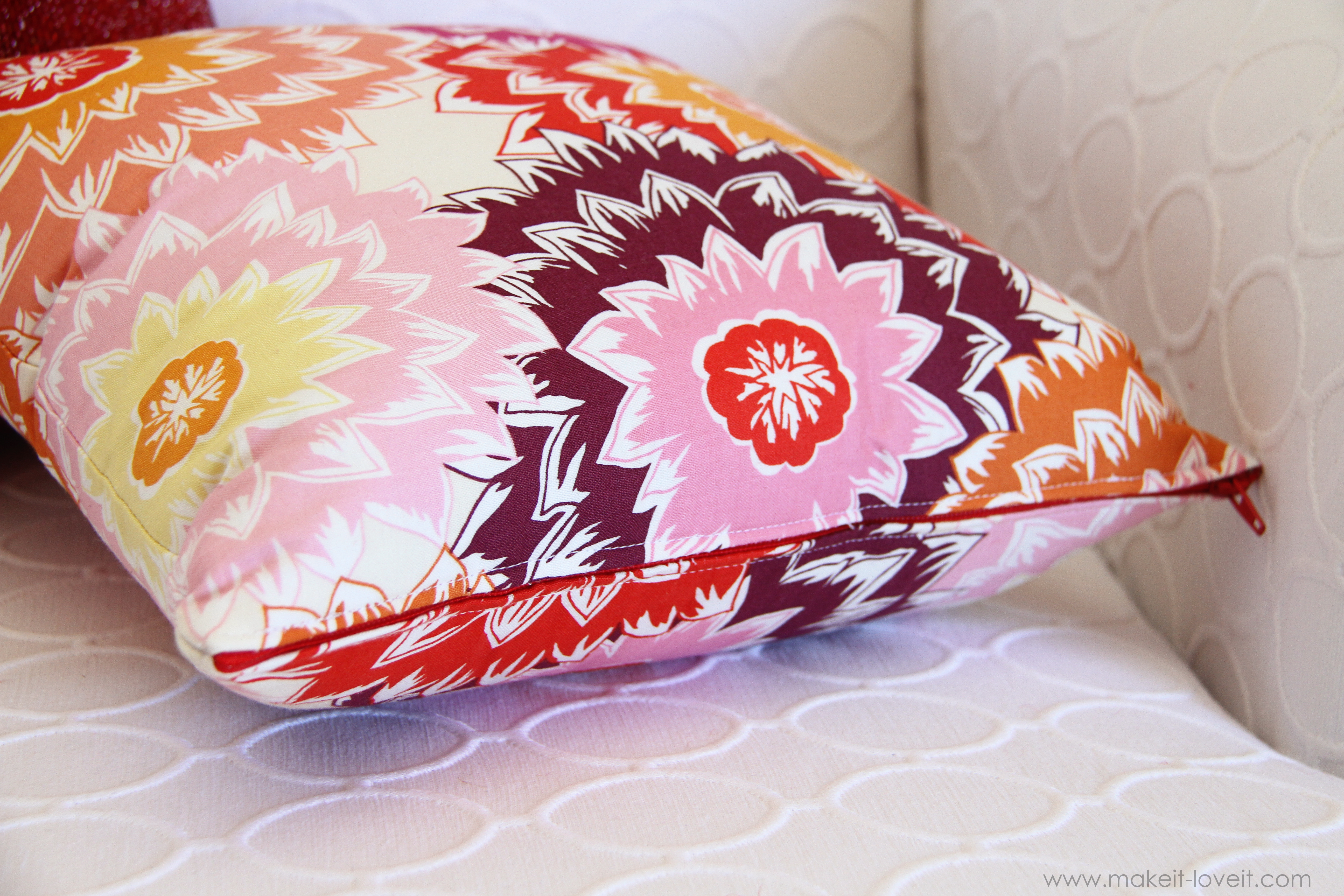 Making Pillow Cover With Zipper: Zippered Pillow Cover   Make It and Love It,