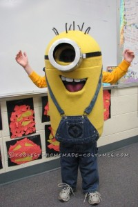 Halloween Costume Ideas: Minions from Dispicable Me