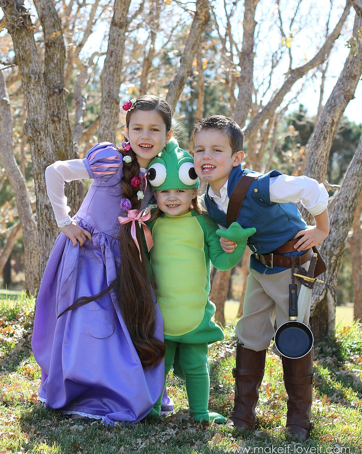 Halloween Costumes 2013: The Whole TANGLED Crew (plus a video!!)