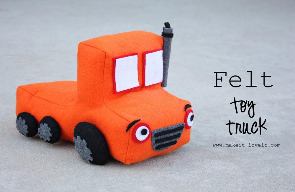 8 felt toy truck