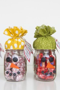 Quick Gift: SNOWMAN CANDY JAR...plus FREE printable!