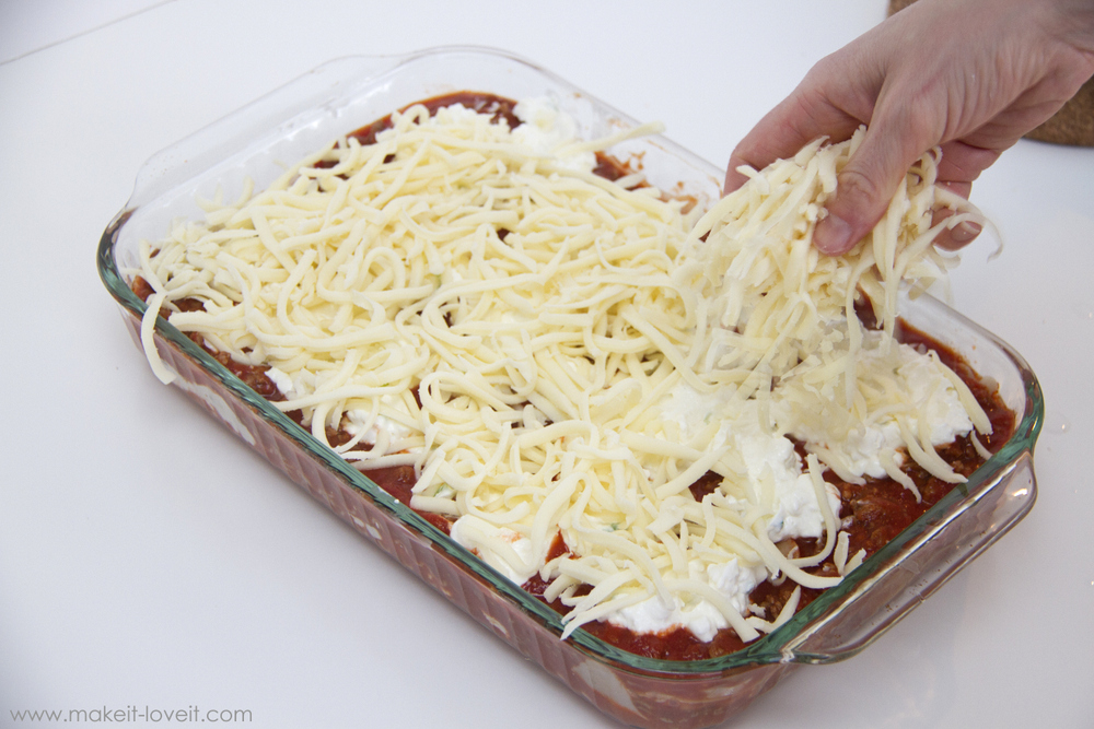 family-favorite-lasagna-recipe-11