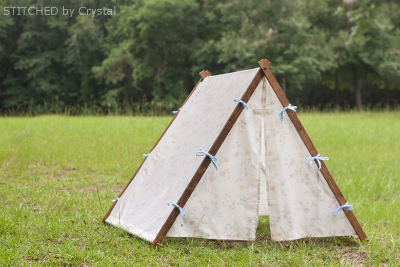a collapsible frame fabric play tent (makeit-loveit.com) & Collapsible Fabric Play Tent...for kids! | Make It and Love It