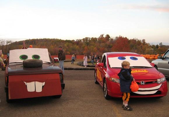 1cars-mater-mcqueen-trunk-treat-580x403