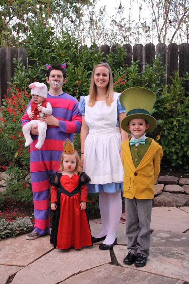 Virtual Halloween (Handmade) Costume Parade 2014!!!