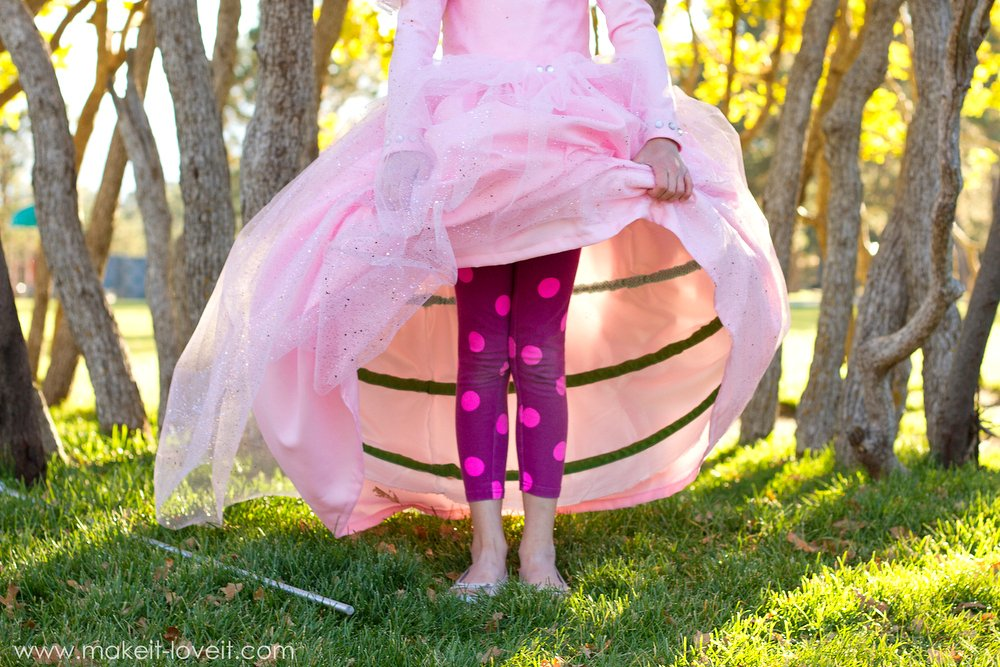 """DIY """"Glinda the Good Witch"""" Costume (from Wizard of Oz) 