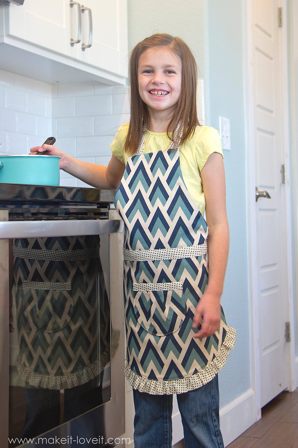 Making the Ruffle Apron PDF Pattern (6 apron girl & boy styles, 5 sizes, easy Velcro closure, printable pattern pieces)   via Make It and Love It
