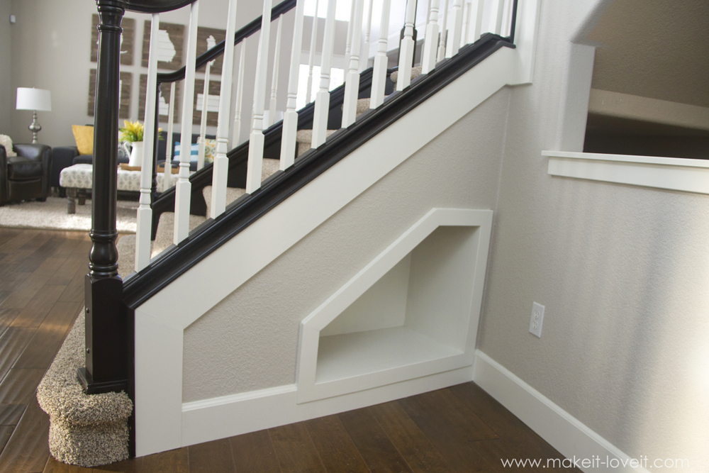 How to Stain/Paint an Oak Banister (the shortcut method...no ...