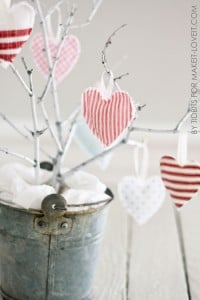 Hanging Heart Softies -- simple Valentine decor!