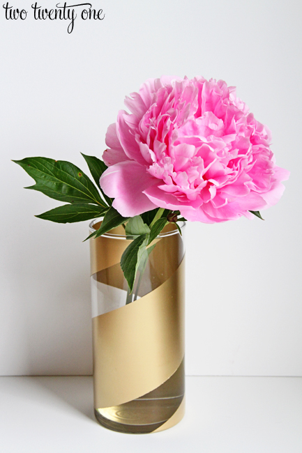 1gold-striped-vase