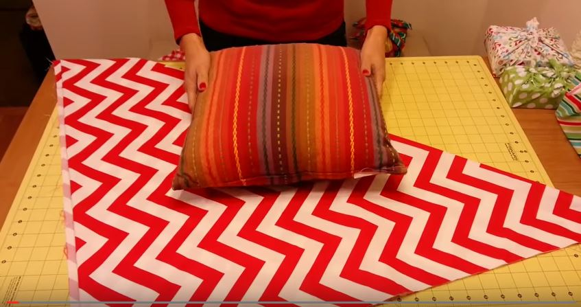 This Pillow Makeover Is So Quick And Easy!