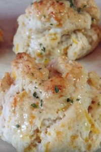 Yummy Copycat Red Lobster Cheddar Bay Biscuits