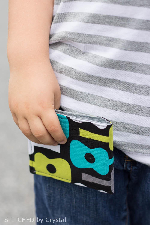 DIY Boys (or girls) Bi-fold Fabric Wallet | via Make It and Love It
