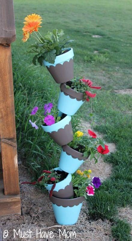 DIY-Topsy-Turvey-Flower-Planter-Step-9-Must-Have-Mom