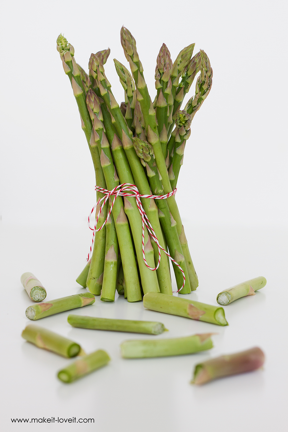 How to Properly Cut and Prepare Asparagus   via Make It and Love It