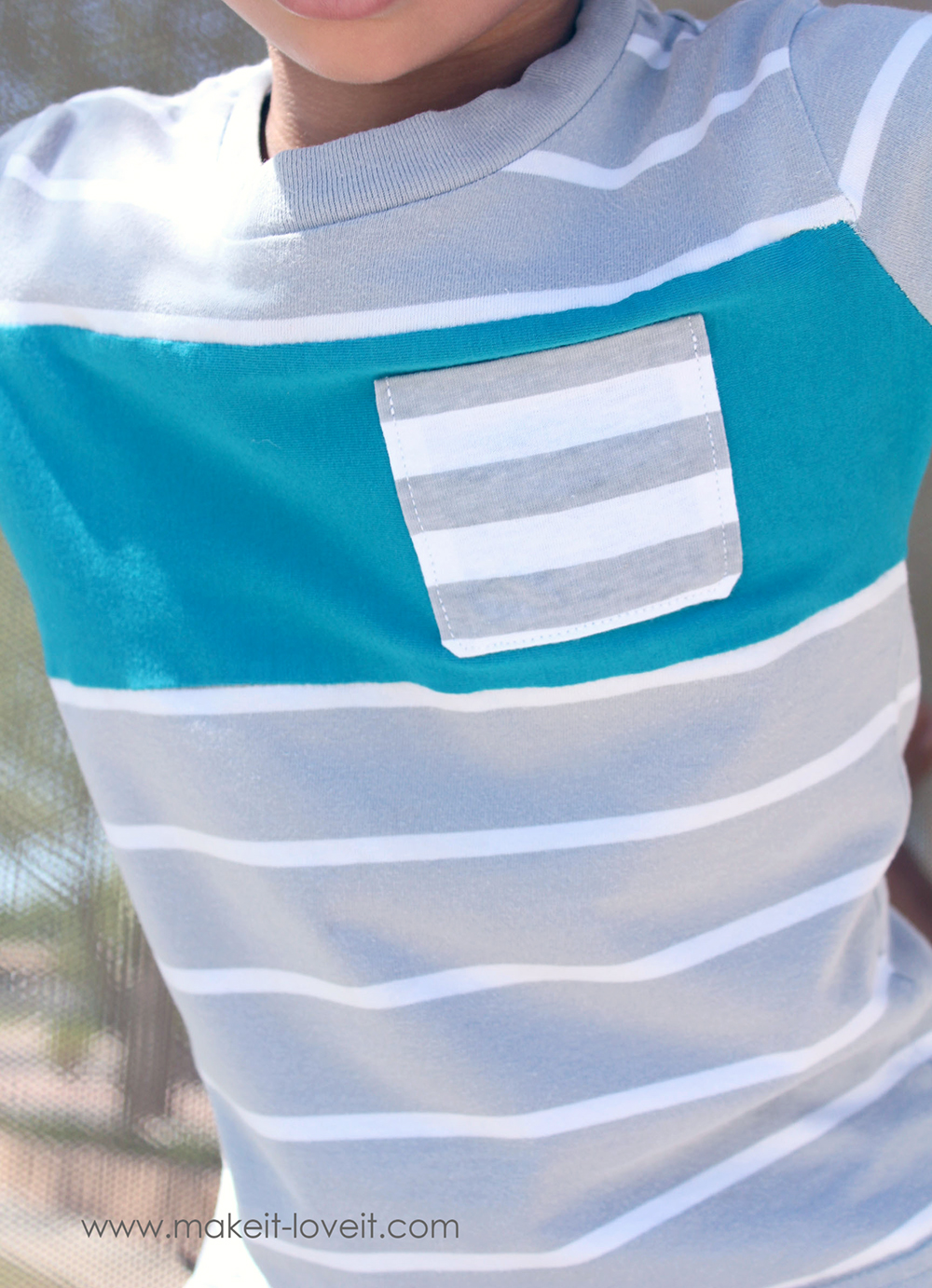 Add a Color Block Stripe to a T-shirt (...to add length) | via Make It and Love It