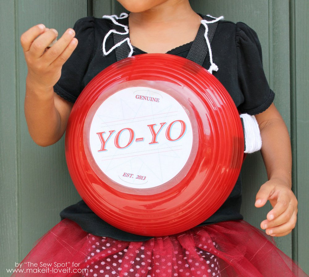 DIY Yo-Yo Costume...a gender neutral costume that's pretty simple to put together. | via Make It and Love It