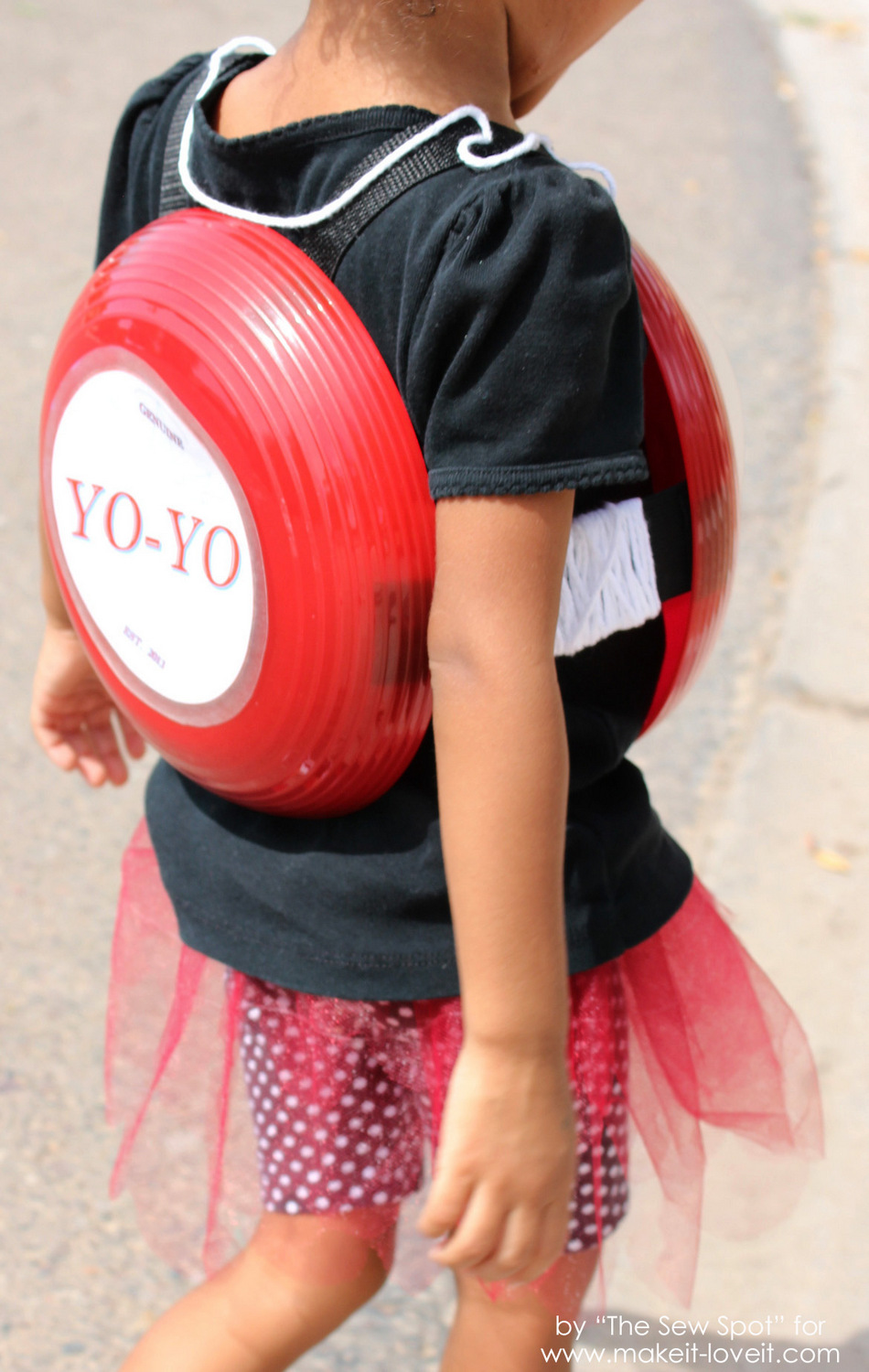 DIY Yo-Yo Costume 5