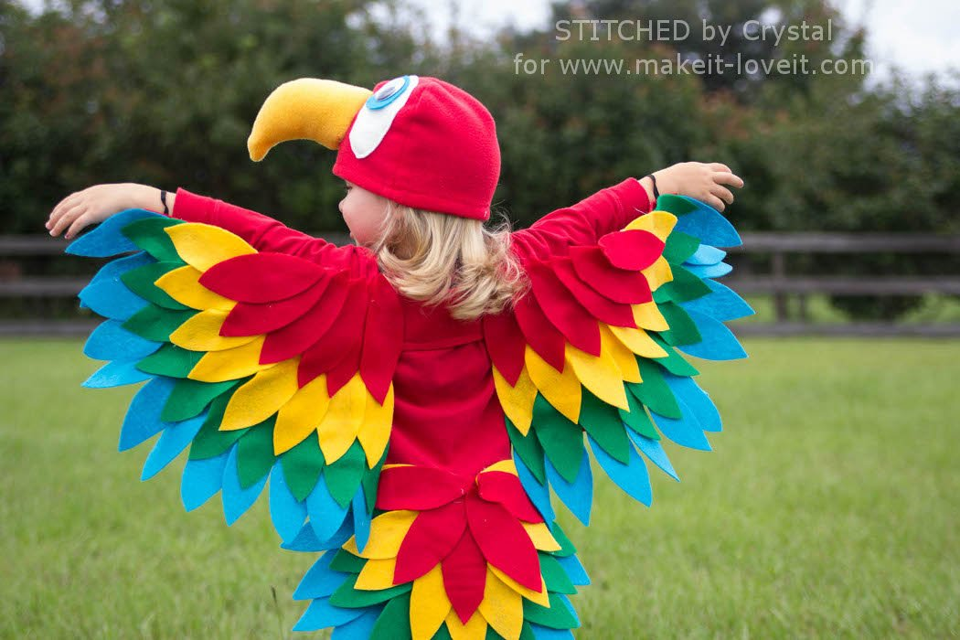 Parrot Costume-8Sew an Easy Parrot Costume (perfect for Halloween or dress-up!) | via Make It and Love It
