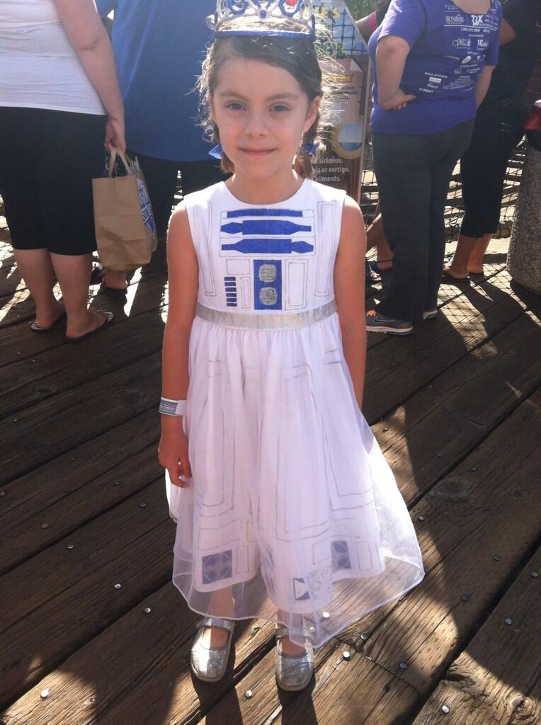 Lets voteon the top 11 halloween costume requests make it r2 d2 princess solutioingenieria Image collections