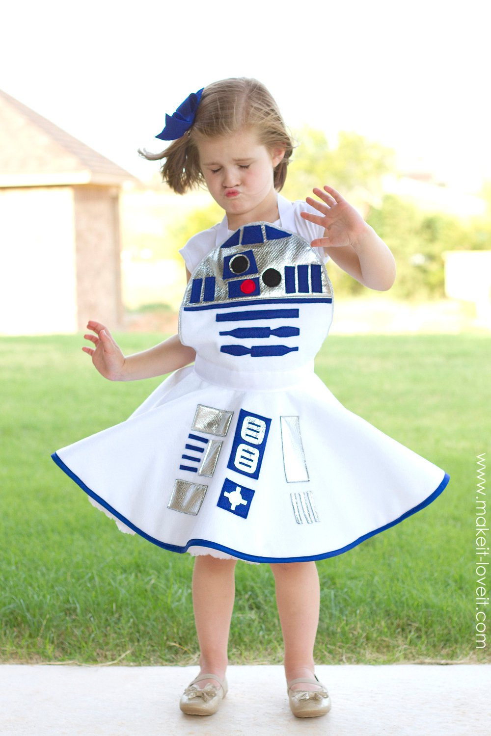R2-D2 Costume WINNER selected!