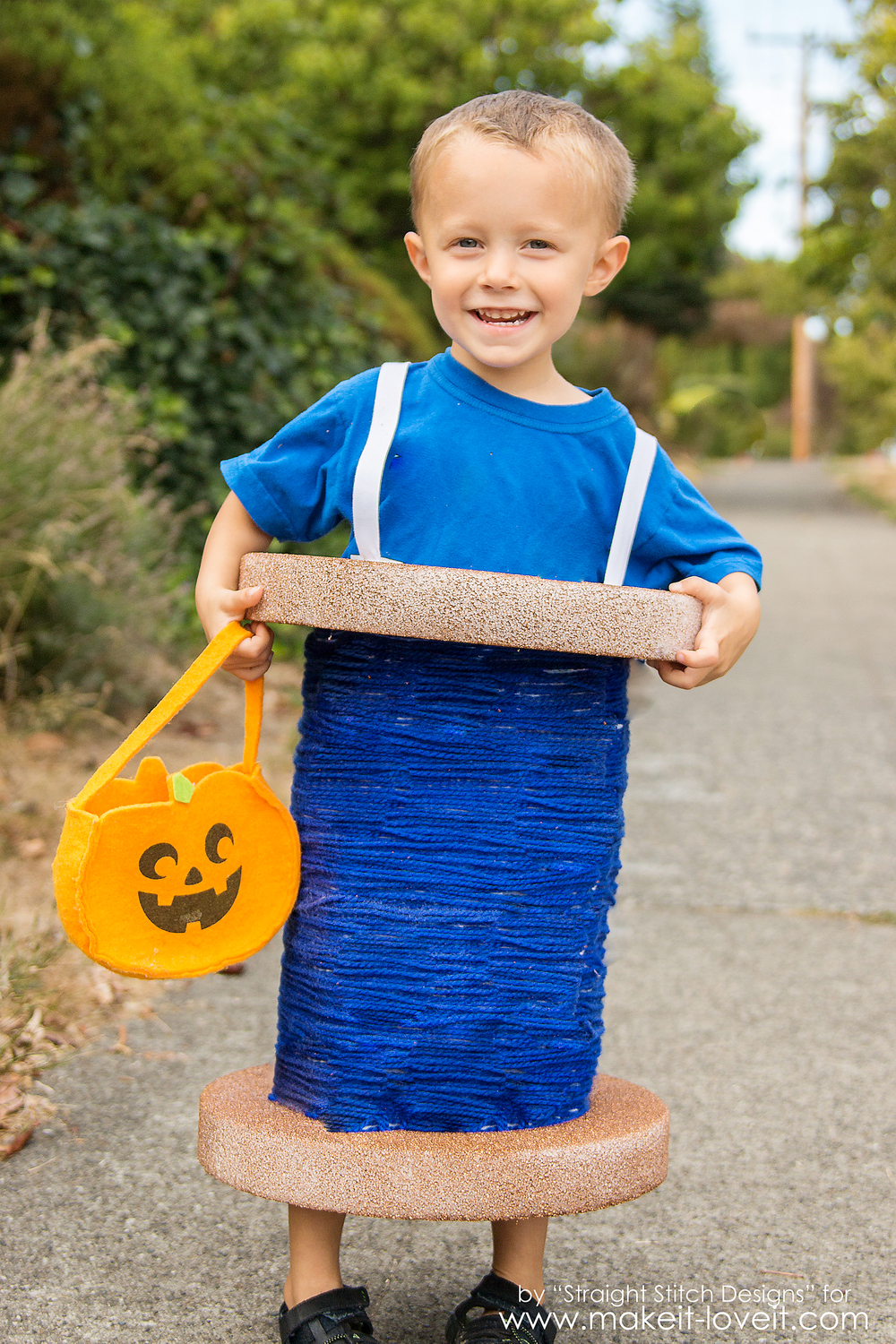 Spool of Thread Costume.....a simple idea for any age! | via Make It and Love It