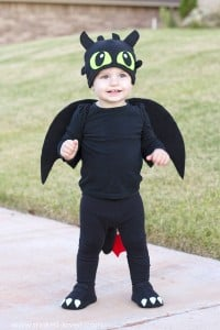 "A simple DIY Toothless Costume...from ""How To Train Your Dragon"" 