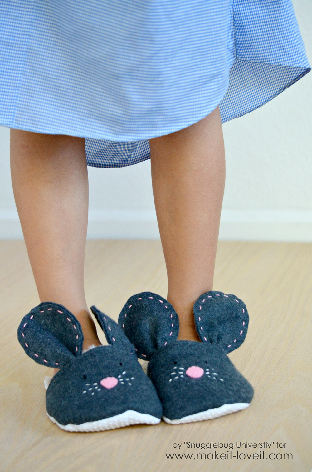 DIY Mouse Slippers.....make these simple slippers in any size! | via Make It and Love It