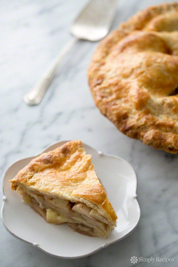 Old Fashioned Apple Pie via Simply Recipes