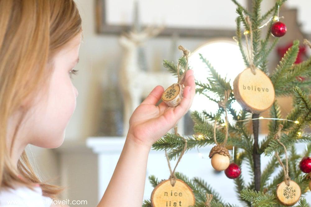 Holiday Movie Night....PLUS, mini acorn/snowflake/text ornaments! | via Make It and Love It