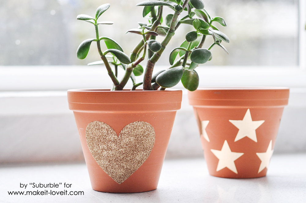 Getting Glitzy With Flower Pots - dress up your pots with glitter! | via Make It and Love It