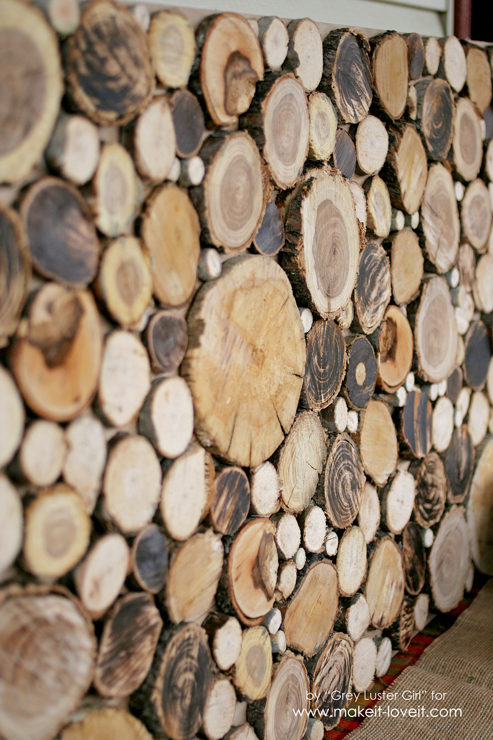 How to Make Your Own Wood Slice Backdrop | via Make It and Love It
