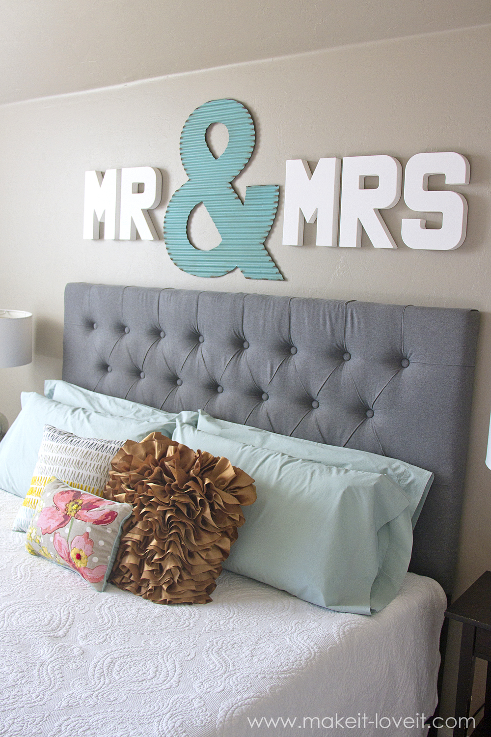 Master Bedroom Wall Decor Mr Mrs Wall Displayfun Master Bedroom Decor Make It And