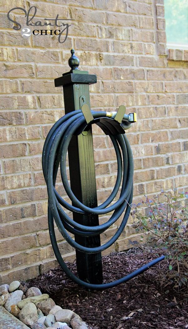 Garden-Hose-Holder-DIY