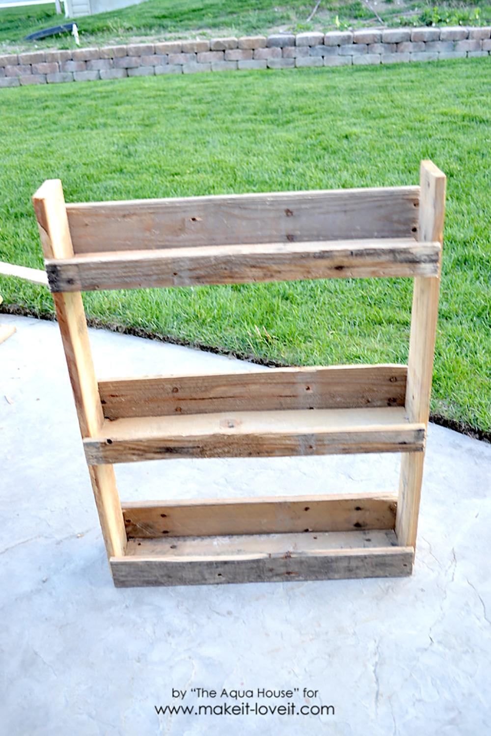 DIY Pallet spice rack (10)