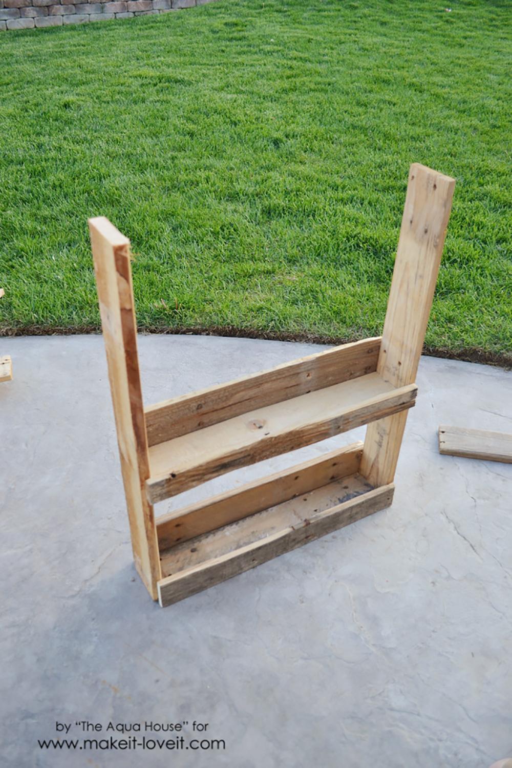 DIY Pallet spice rack (8)