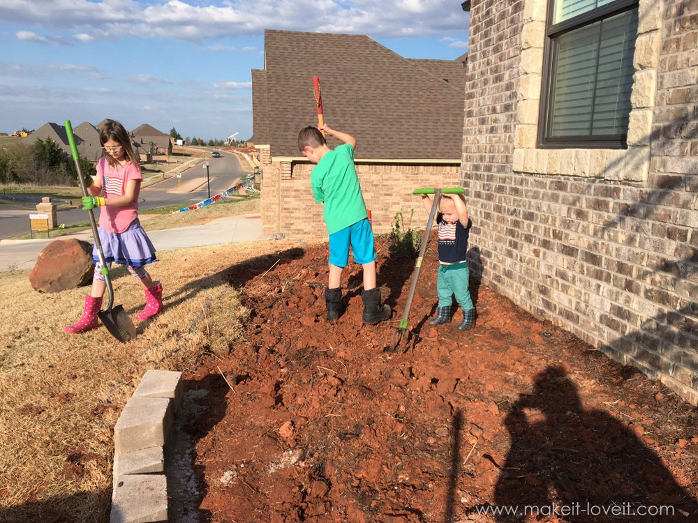 How To Landscape & Hardscape a Front Yard (...from our experience!!)   www.makeit-loveit.com