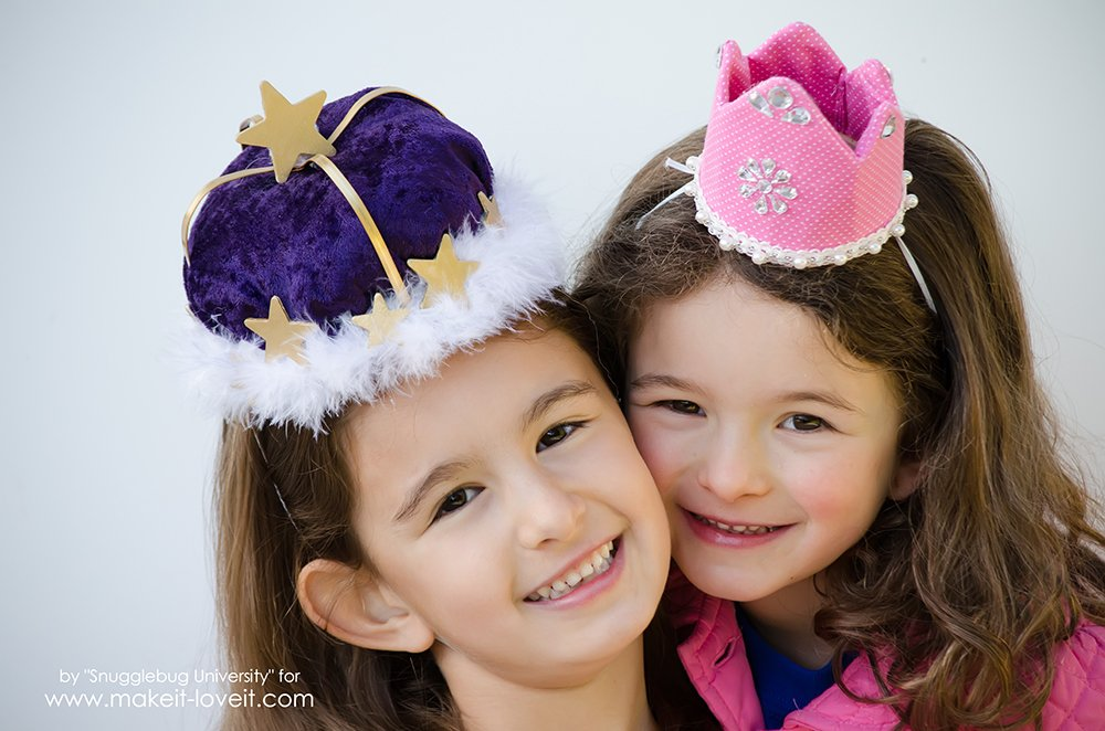 Make your own Quick and Easy Birthday Crowns | via www.makeit-loveit.com